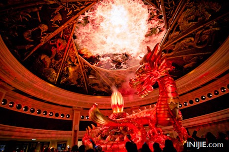Travel to Macau 30- Wynn Hotel Dragon Show