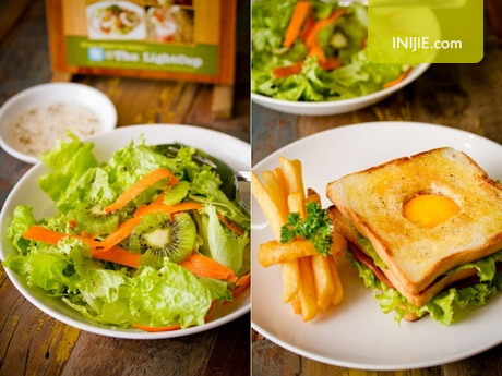 TLC cafe surabaya - Kiwi salad and sandwich
