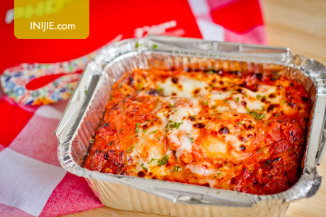 PHD Pizza Hut Delivery 500600 - Baked Beef Ravioli