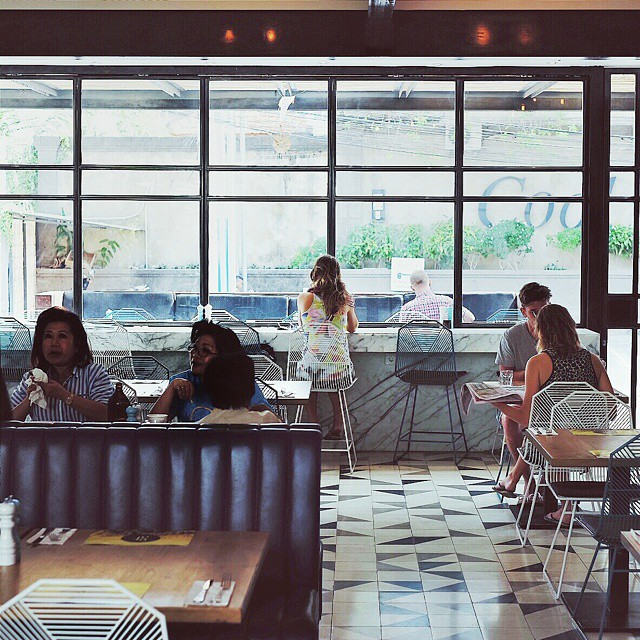 Do you ever feel alone in a crowded place?  #inijiegram #cafe #design #mood